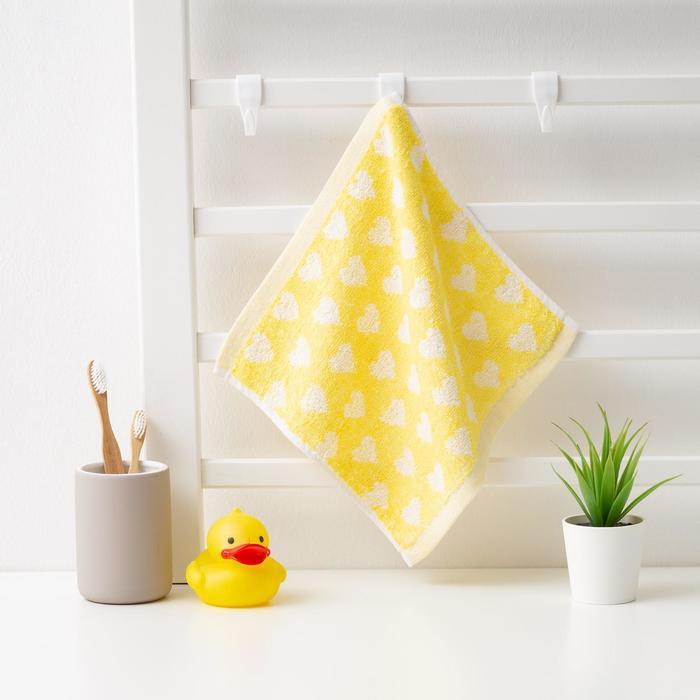 """Полотенце махровое Крошка Я """"Сердечки"""" 25*25 см, цв.желтый, 100% хлопок, 360 гр/м2"""