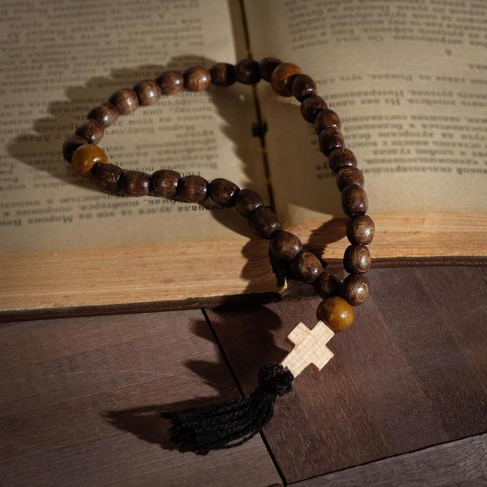 """Чётки деревянные """"Православные"""" с крестиком, кисть, 33 бусины, цвет светло-коричневый с беж"""