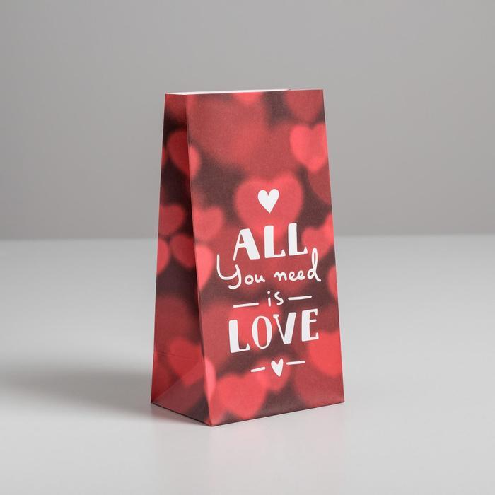 Пакет подарочный без ручек Love, 10 ? 19.5 ? 7 см