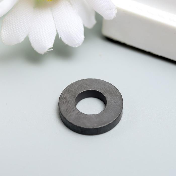 Магнит технический чёрный круглый с отверстием 16х7х3 мм