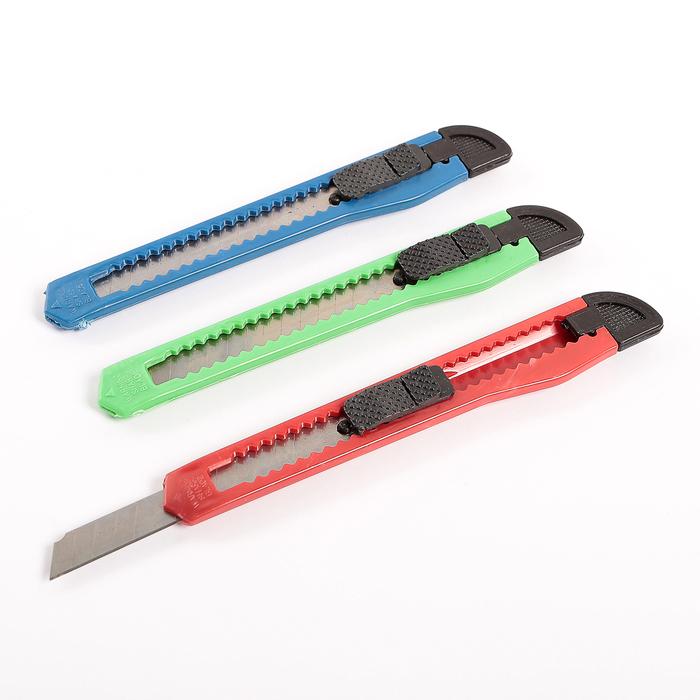 Нож канцелярский, лезвие 9 мм, пластиковый, с фиксатором, в блистере, МИКС, CALLIGRATA
