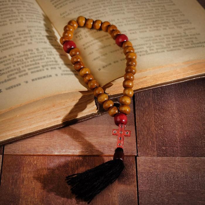 """Чётки деревянные """"Православные"""" с крестиком, кисть, 33 бусины, цвет светло-коричневый"""