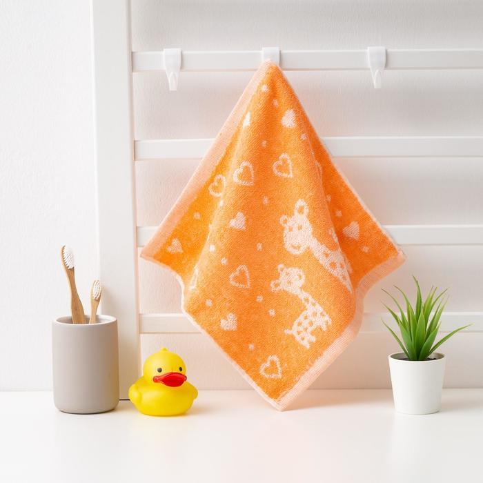 """Полотенце махровое Крошка Я """"Жирафы"""" 26*26 см, цв.оранжевый, 100% хлопок, 400 гр/м2"""
