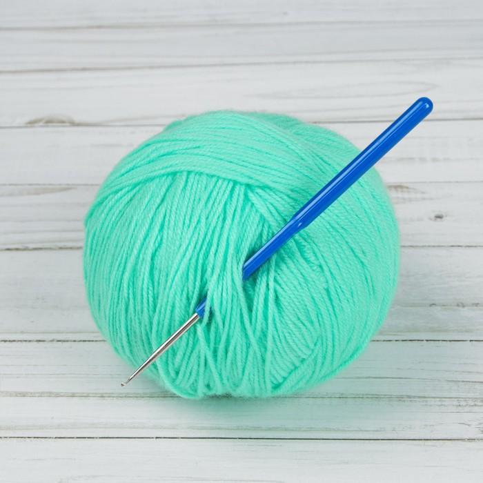 Крючок для вязания, с пластиковой ручкой, d = 1 мм, 13,5 см, цвет синий