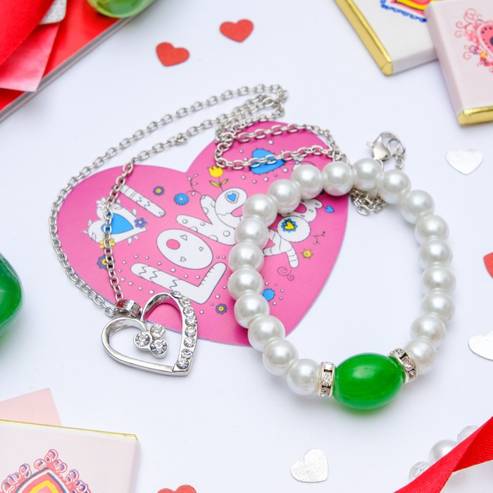 """Гарнитур+открытка 2 предмета: кулон, браслет """"Каролина"""" классика, цвет бело-зелёный в серебре, 40 см"""