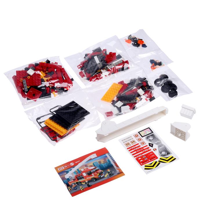 Конструктор Пожарный «Машина с лестницей», 270 деталей, в пакете